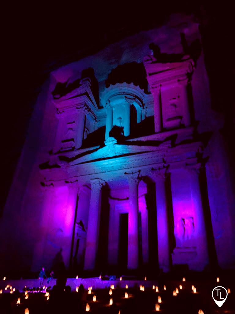 Petra-by-night-roxo-marca2