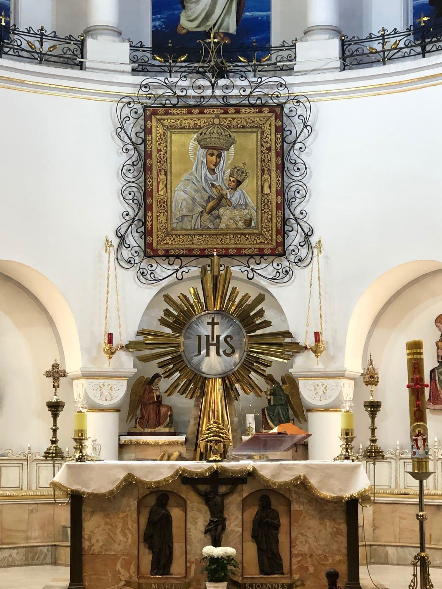 Altar da Igreja Vermelha